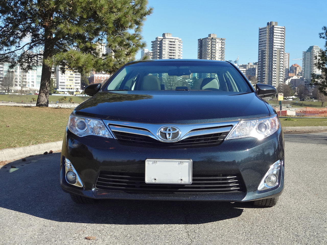 2014 toyota camry xle road test review the car magazine. Black Bedroom Furniture Sets. Home Design Ideas