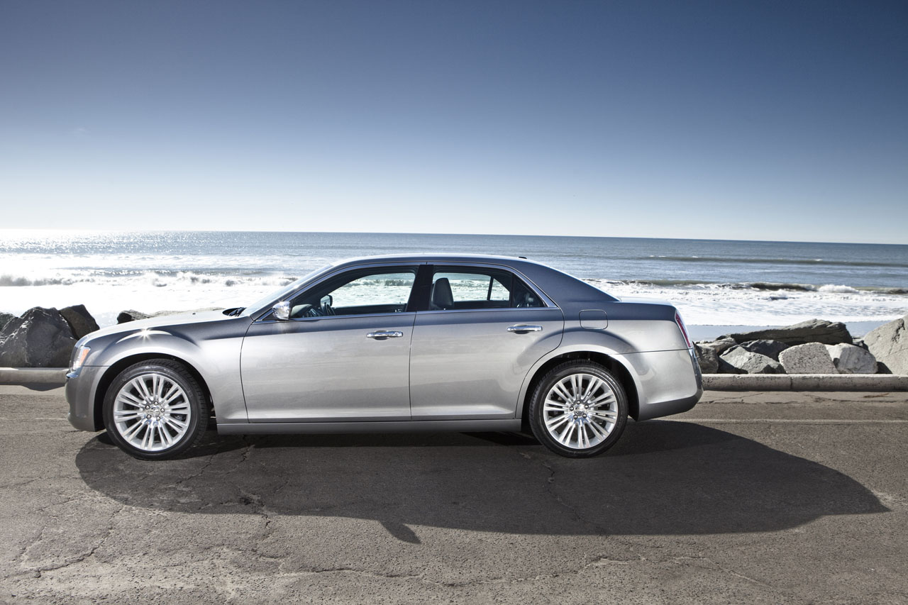 car chrysler magazine test road the review