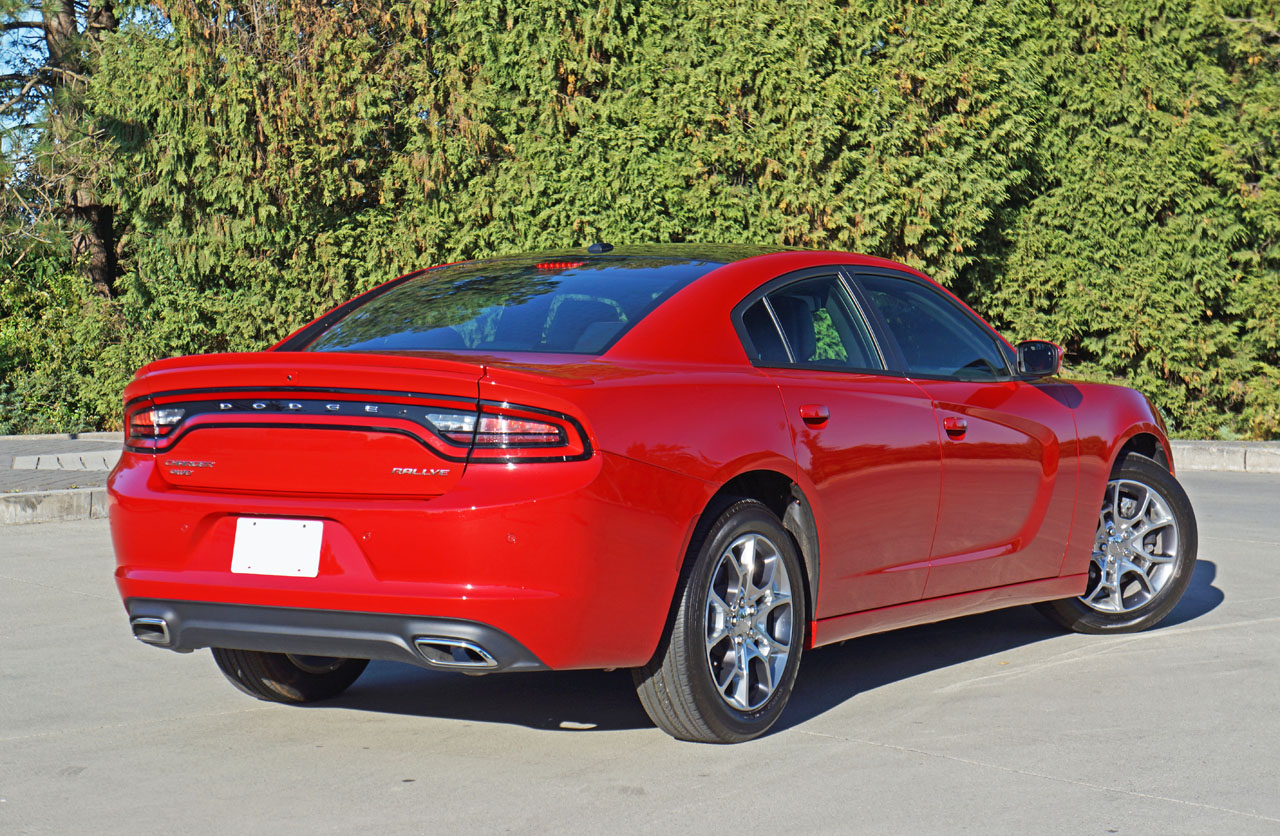 2015 dodge charger sxt plus rallye awd road test review. Black Bedroom Furniture Sets. Home Design Ideas