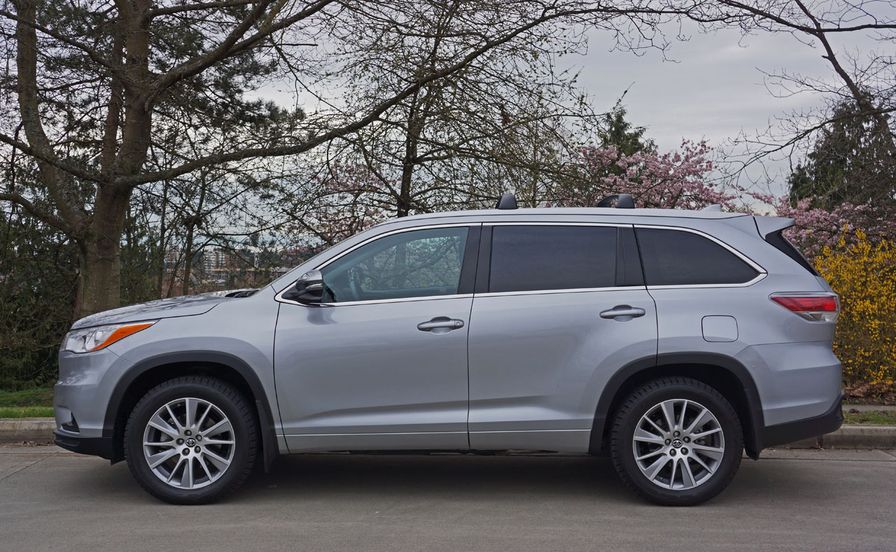 2016 toyota highlander xle awd road test review the car magazine. Black Bedroom Furniture Sets. Home Design Ideas