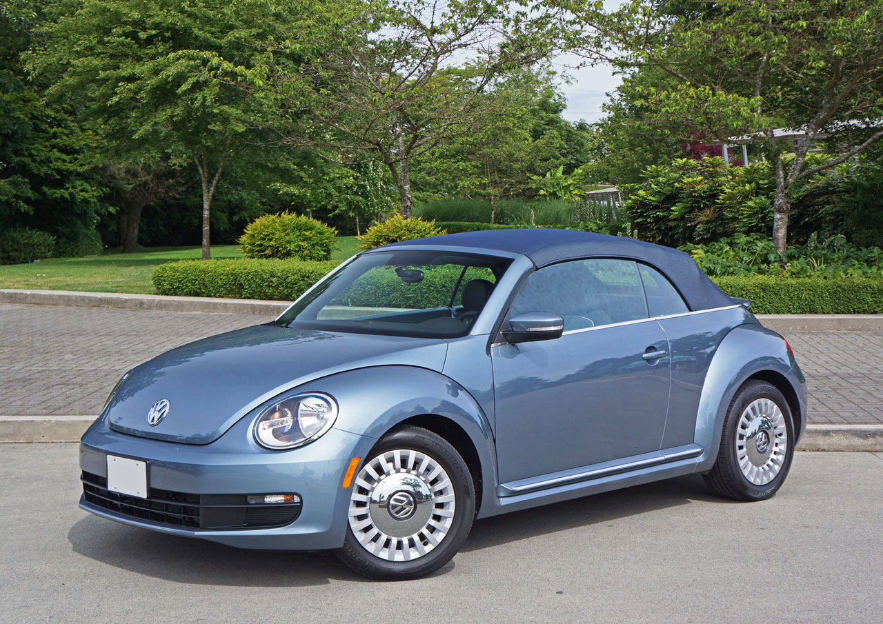 volkswagen beetle convertible denim road test review  car magazine