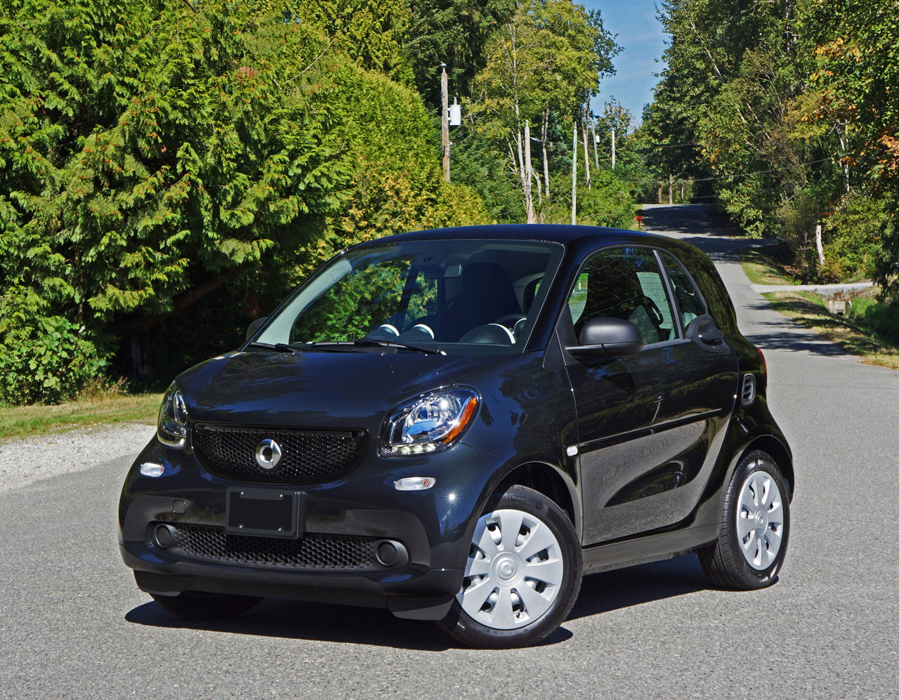 2016 smart fortwo coupe pure road test review the car magazine. Black Bedroom Furniture Sets. Home Design Ideas