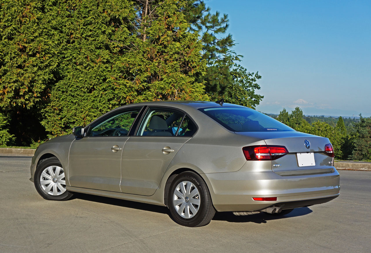 2016 Volkswagen Jetta 1.4 TSI Trendline Plus Road Test Review | The Car Magazine
