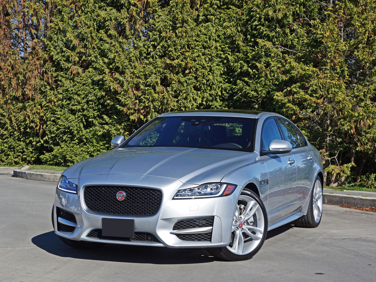 2017 jaguar xf r sport 35t awd road test review the car magazine. Black Bedroom Furniture Sets. Home Design Ideas