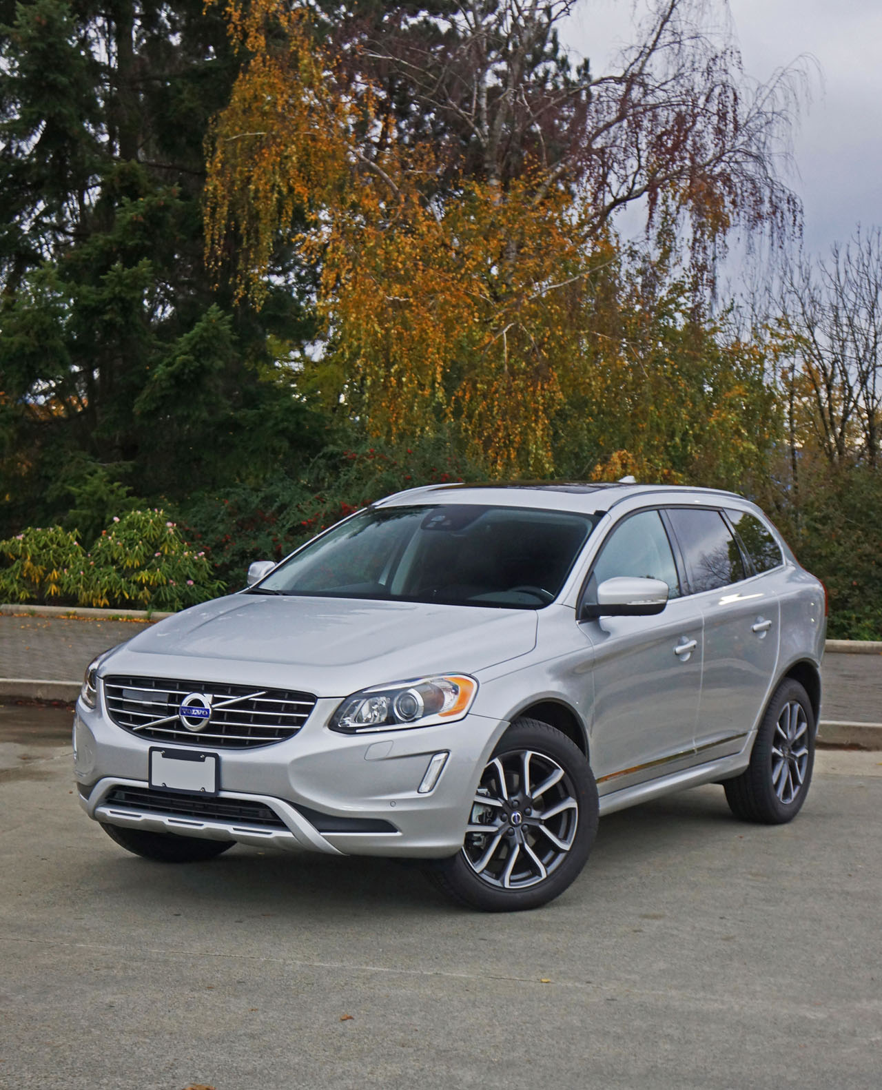 Volvo Sc 60: 2017 Volvo XC60 T5 Drive-E AWD Special Edition Road Test