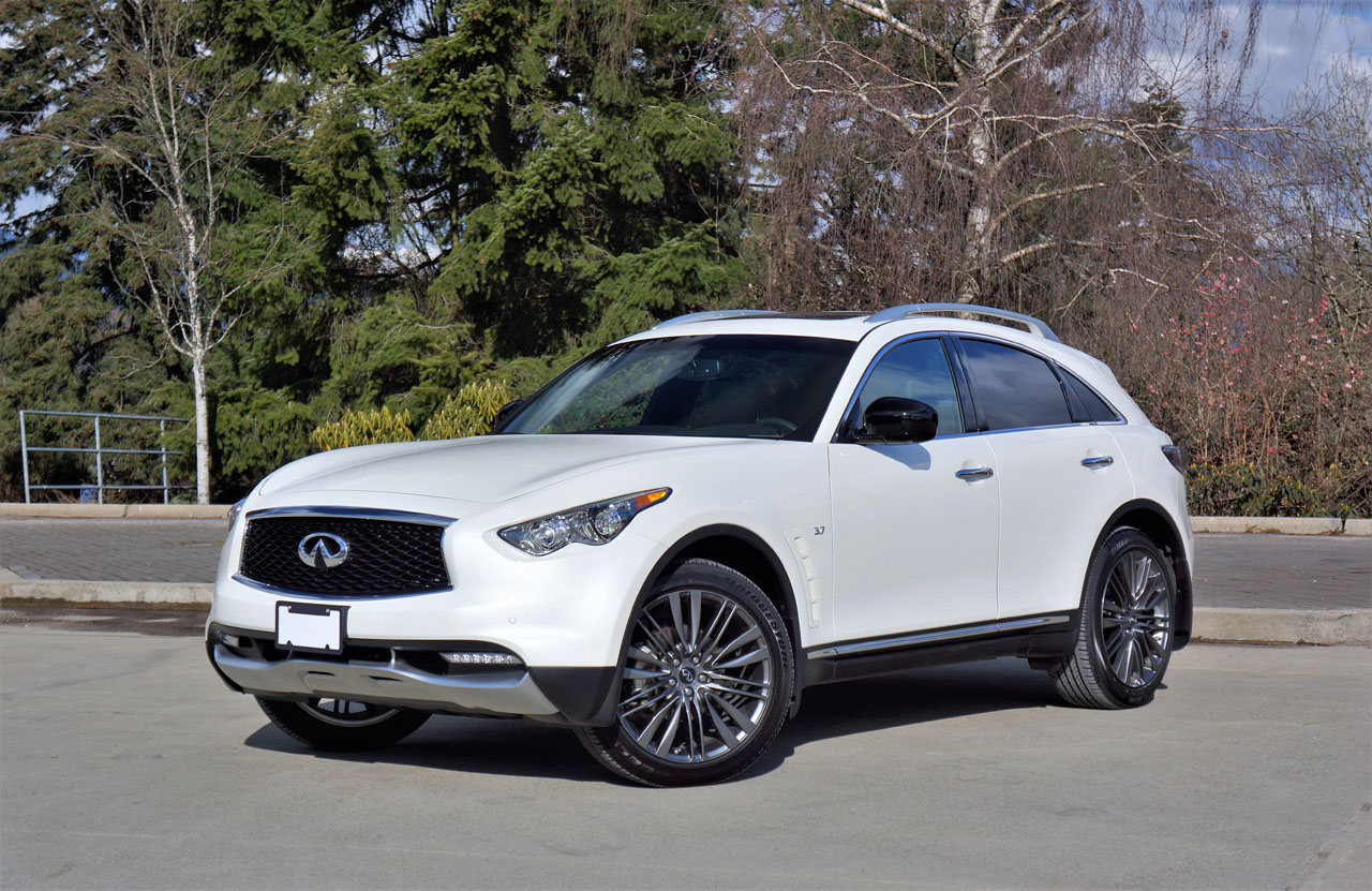 2017 Infiniti QX70 Limited Road Test | The Car Magazine