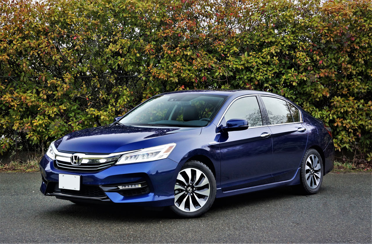 2017 honda accord hybrid touring the car magazine for Honda hybrid cars