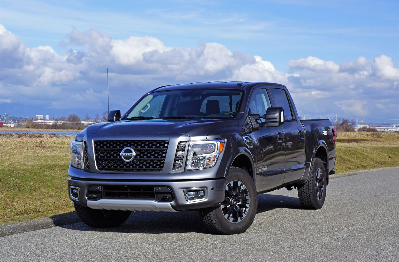 2017 nissan titan crew cab pro 4x the car magazine. Black Bedroom Furniture Sets. Home Design Ideas