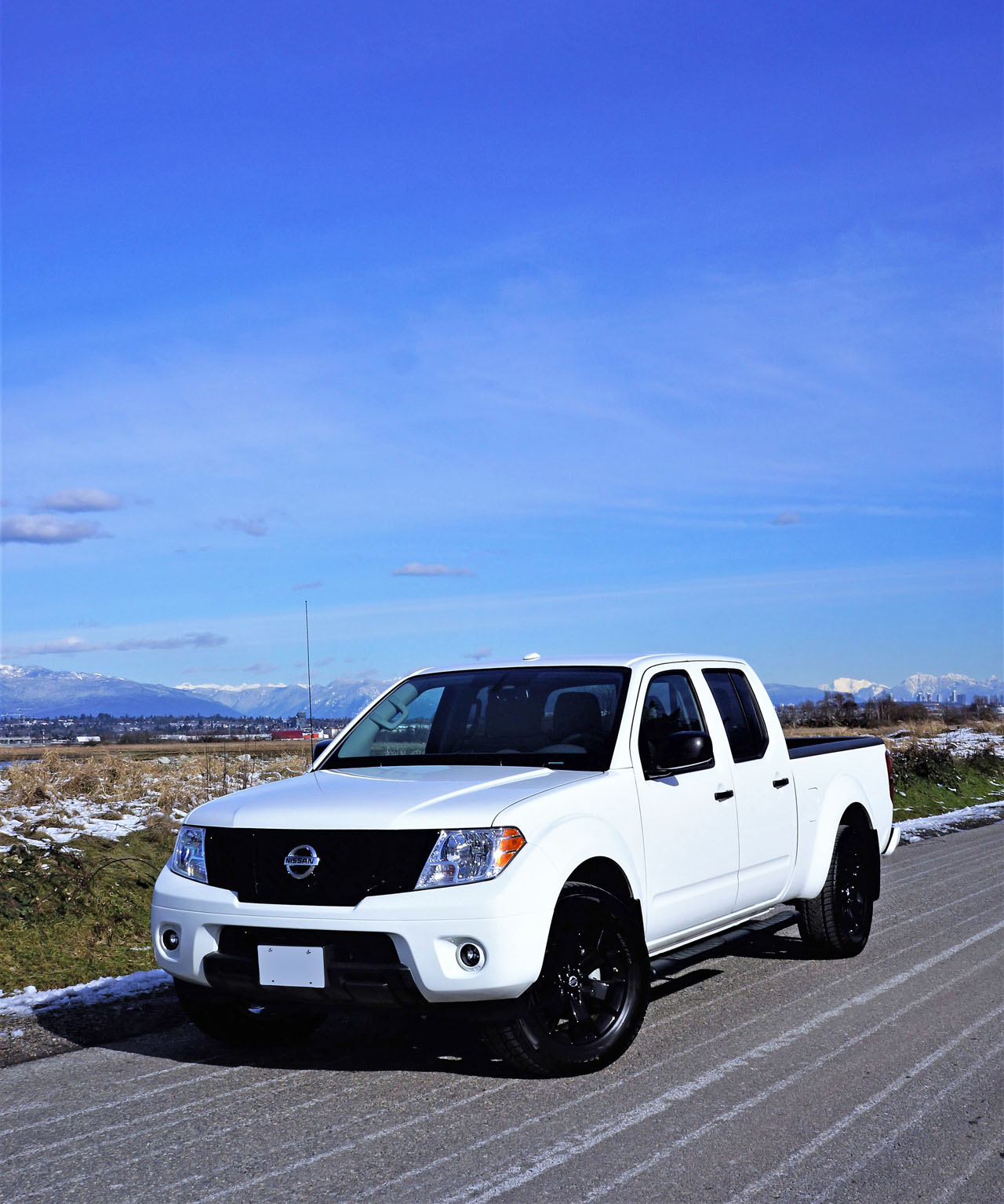 2018 nissan frontier midnight edition the car magazine. Black Bedroom Furniture Sets. Home Design Ideas