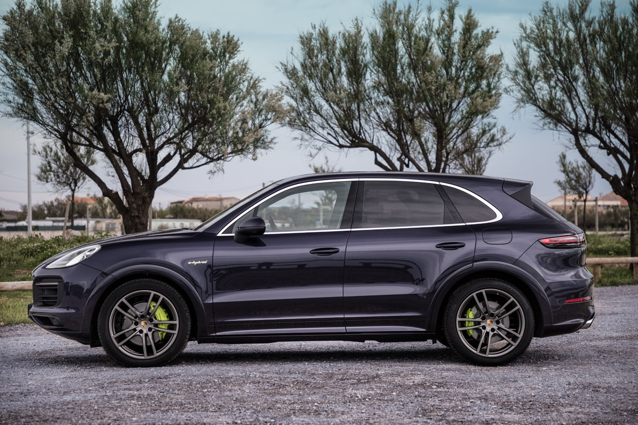 Updated Porsche Cayenne Now Gets Plug In Hybrid Drivetrain 67