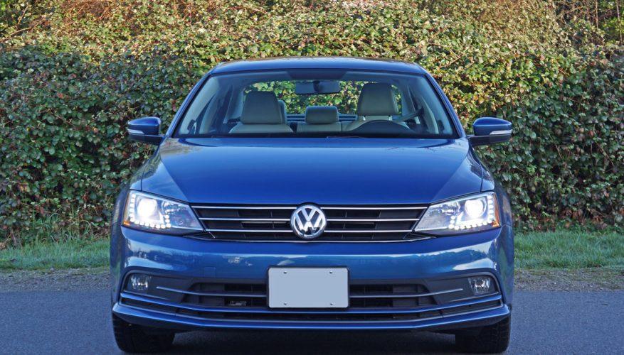 2015 Volkswagen Jetta 1.8 TSI SE Road Test Review | The Car Magazine