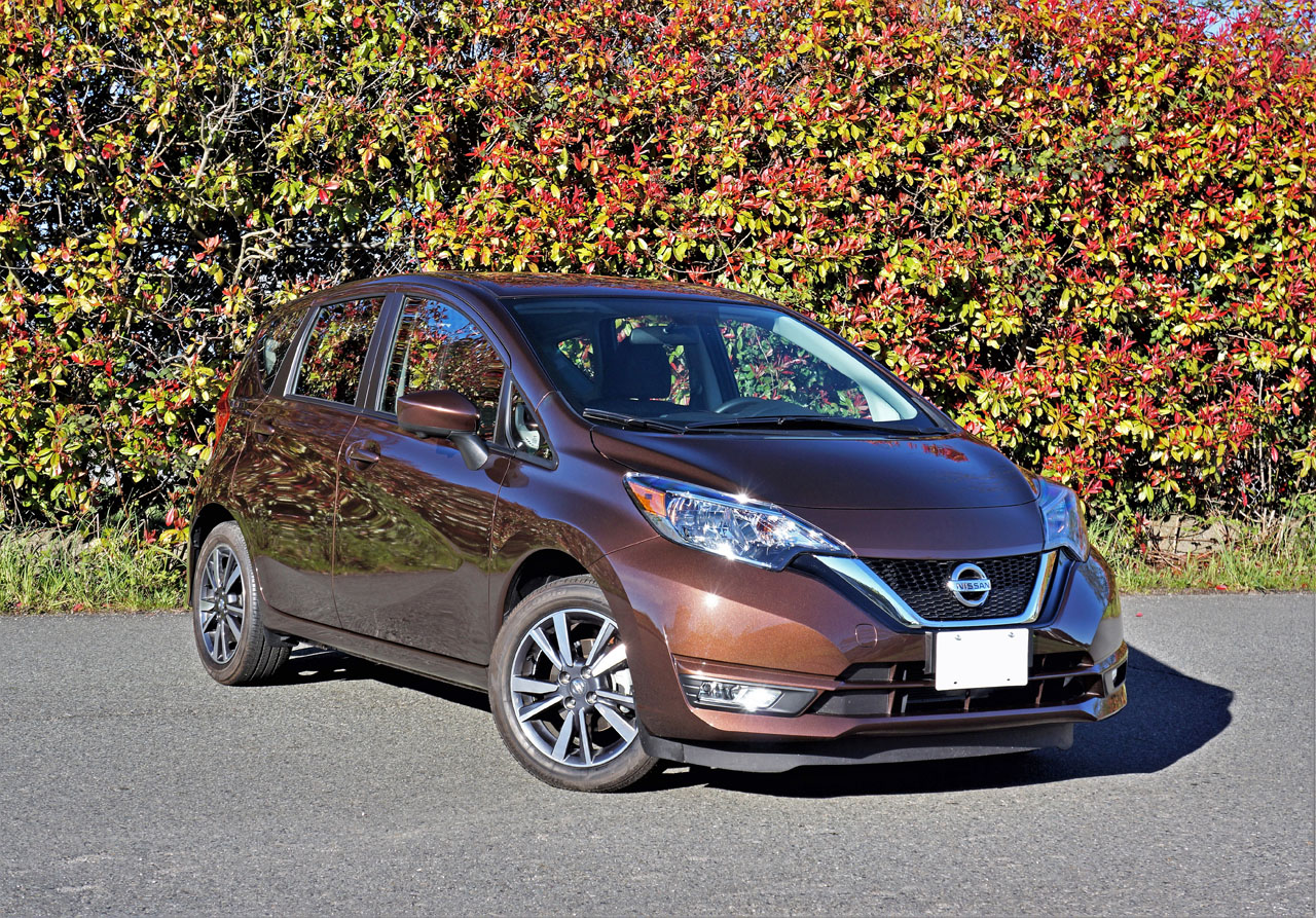 2017 nissan versa note sl road test the car magazine. Black Bedroom Furniture Sets. Home Design Ideas