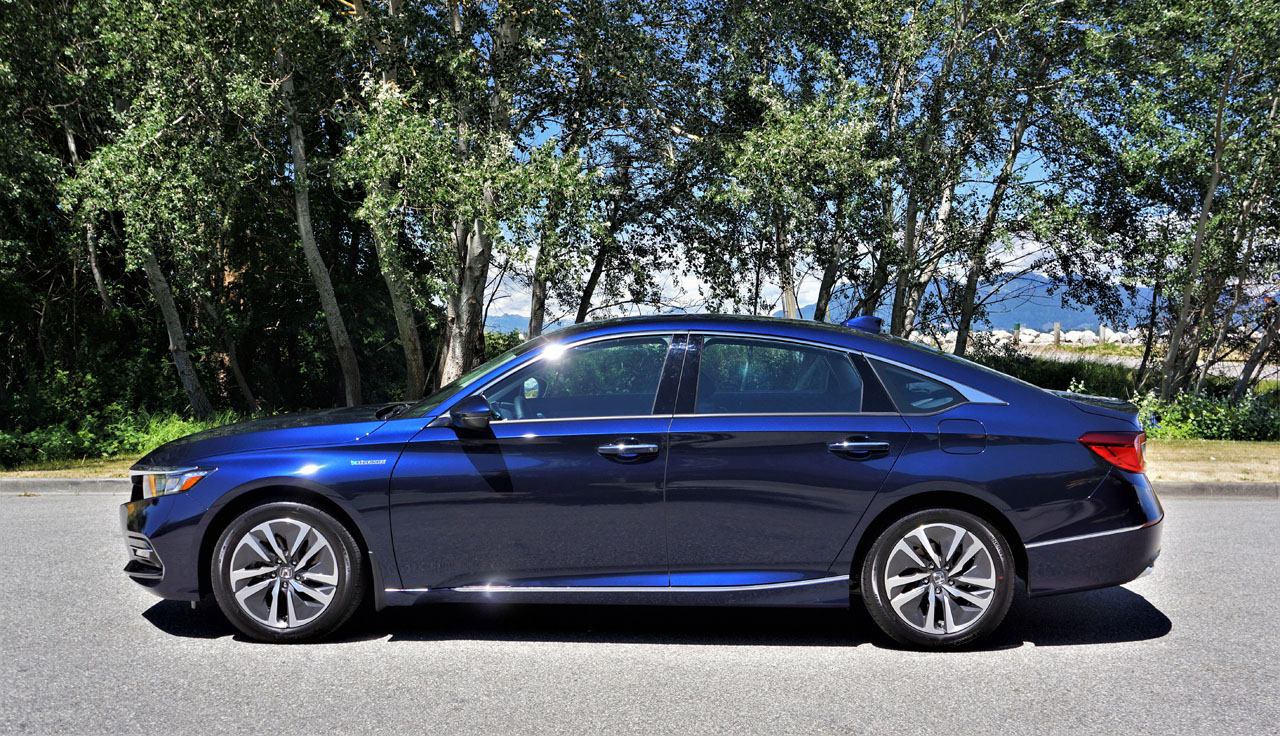 2019 Honda Accord Hybrid Touring Review | The Car Magazine